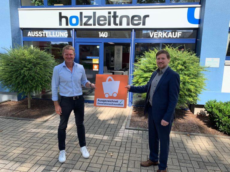 (v.l.n.r. Dirk Bönnen, Geschäftsführer Josef Holzleitner Elektrogeräte GmbH; Jan Kaiser, Geschäftsführer HVR Region Mönchengladbach & Rhein-Kreis Neuss)