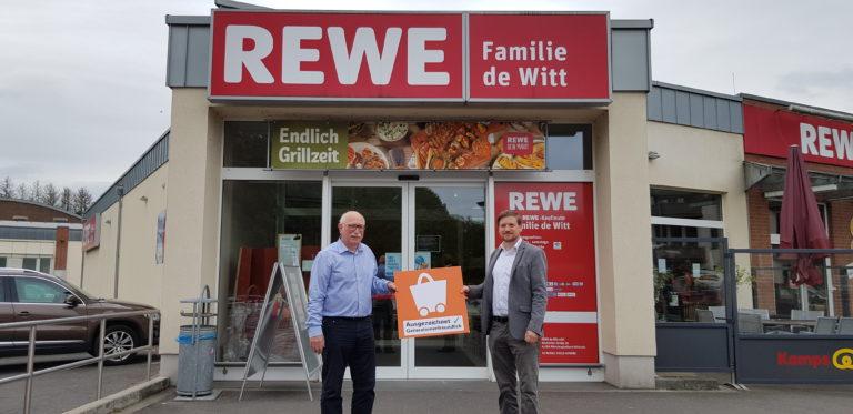 v.l.n.r. Manfred de Witt, Inhaber Rewe De Witt & Jan Kaiser, Geschäftsführer HVR Region Mönchengladbach & Rhein-Kreis Neuss